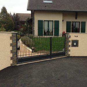 Photo 1 portail extérieur style roseau alu