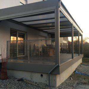 Pergola motorisée aluminium - Plaques polycarbonate ép 32 mm - Escalier d'accès terrasse - Structure tube carré de 100X100X3 mm